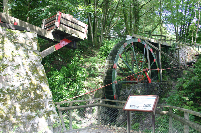 18-Foot-Waterwheel-Restoration-wheal-martyn-museum-3